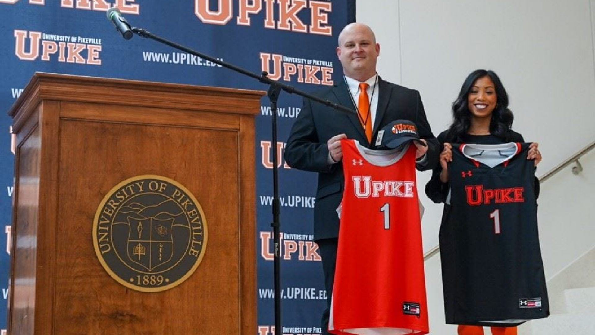COLLEGE BASKETBALL: Compton officially welcomed as new UPIKE men's coach