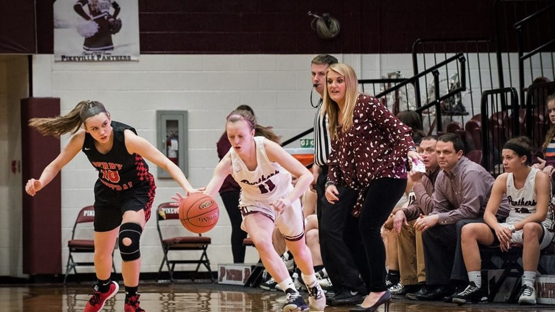 59TH DISTRICT TOURNAMENT: Lady Panthers, Valley Cats advance to finals