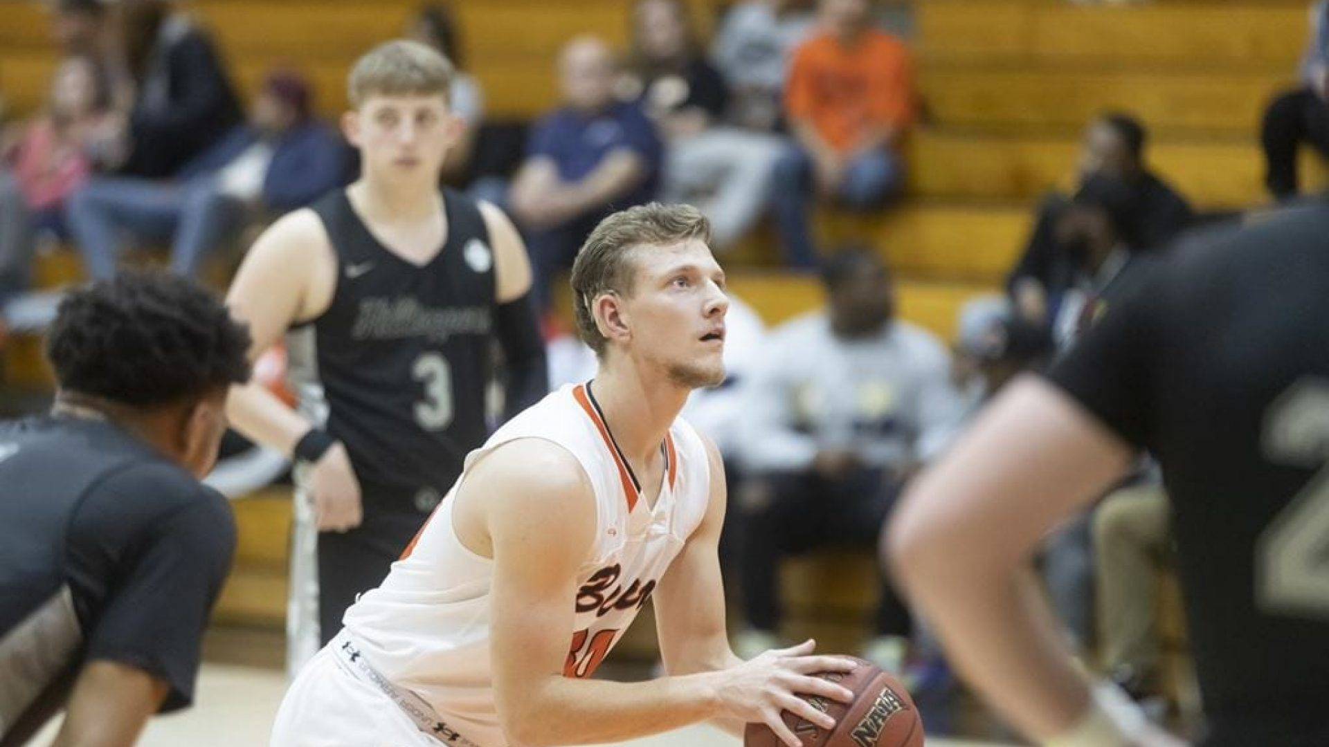 COLLEGE BASKETBALL: UPIKE men, women drop road games
