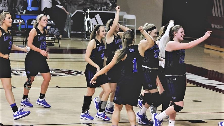 15th REGION TOURNAMENT: Lady Cats knock off Lady Hawks